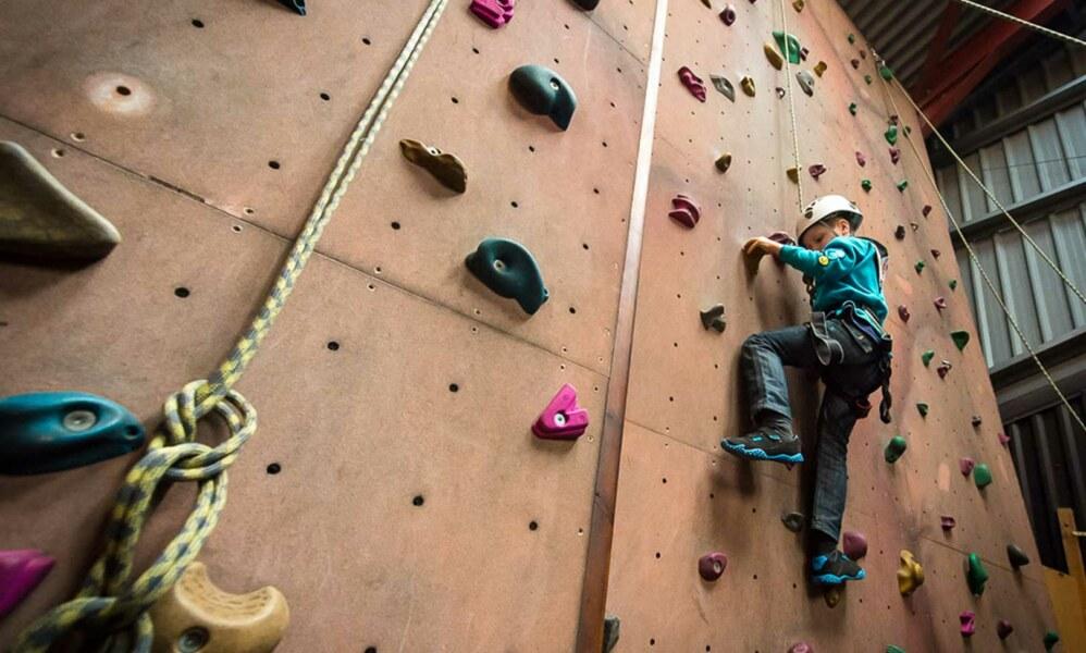 indoor-climbing-fi