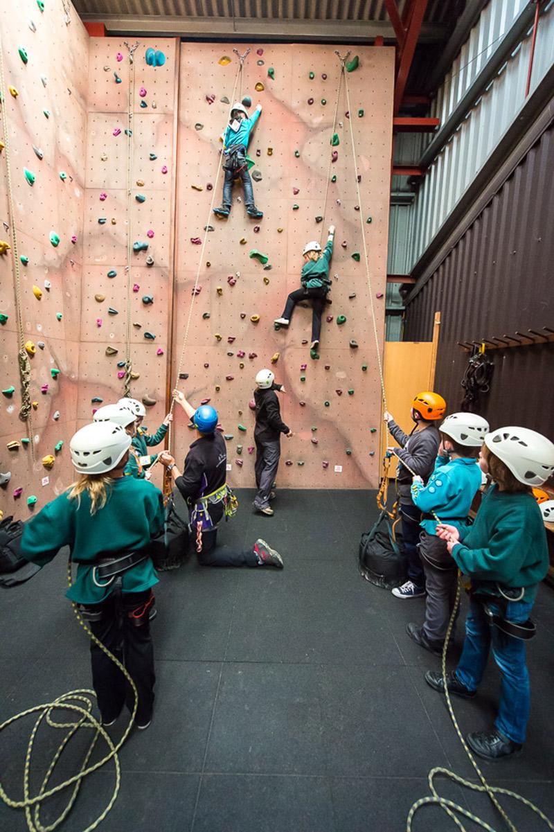 indoor-climbing-gallery-1