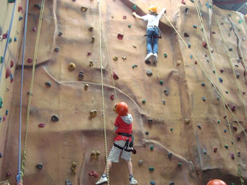 indoor-climbing-gallery-6