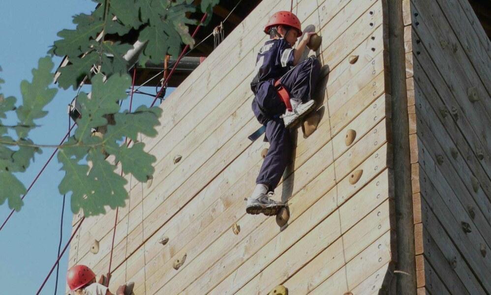 outdoor-climbing-fi-2